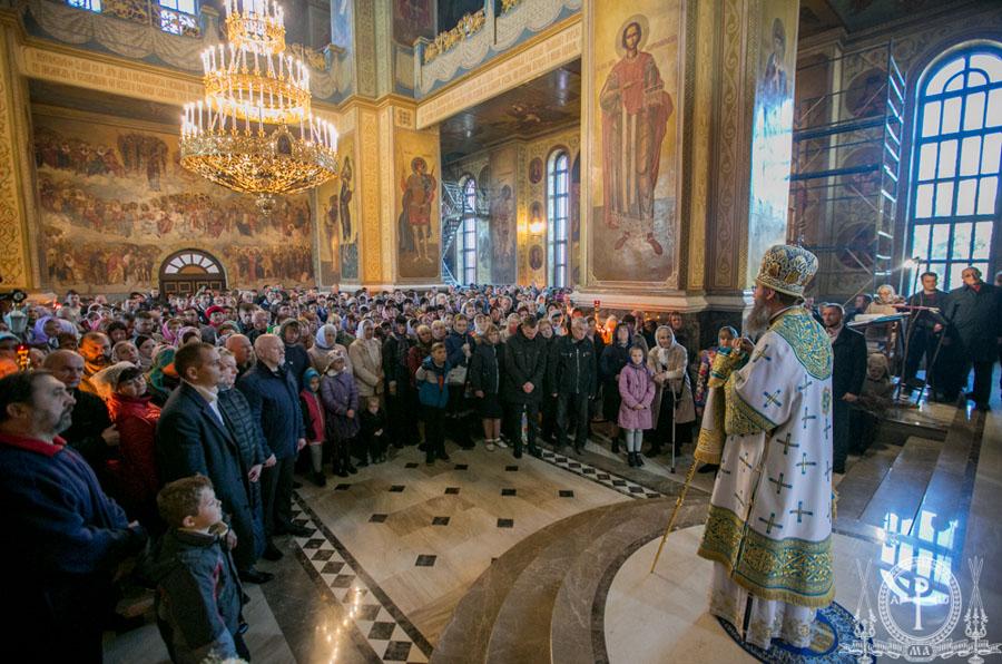 Як поводитимуться ченці, монастирі, так і ви поводьтеся — Митрополит Антоній православним українцям
