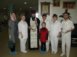 Священик окропив Іорданською водою приміщення Київського інституту серця